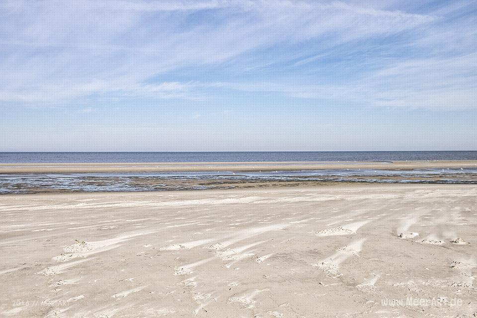 Ein sonniger Sommervormittag an der Nordsee im Watt und auf der Sandbank vor Westerhever // FotoEin sonniger Sommervormittag an der Nordsee im Watt und auf der Sandbank vor Westerhever // Foto: MeerART: MeerART