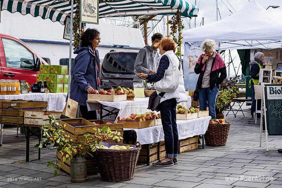 Markt der regionalen Genüsse - Der erste Mohltied! Green Market in Eckernförde am 18.09.2016 // Foto: MeerART