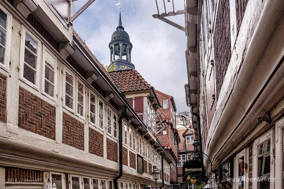 Die Krameramtsstuben mit der letzten geschlossenen Hofbebauung des 17. Jahrhunderts in Hamburg // Foto: MeerART