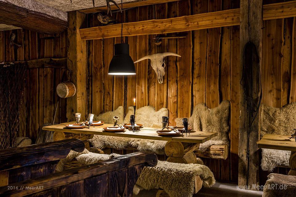 """Das Erlebnisrestaurant """"DIE WIKINGERSCHÄNKE"""" (Inhaber: Oliver Firla) in Haithabu bei Schleswig // Foto: Ralph Kerpa"""