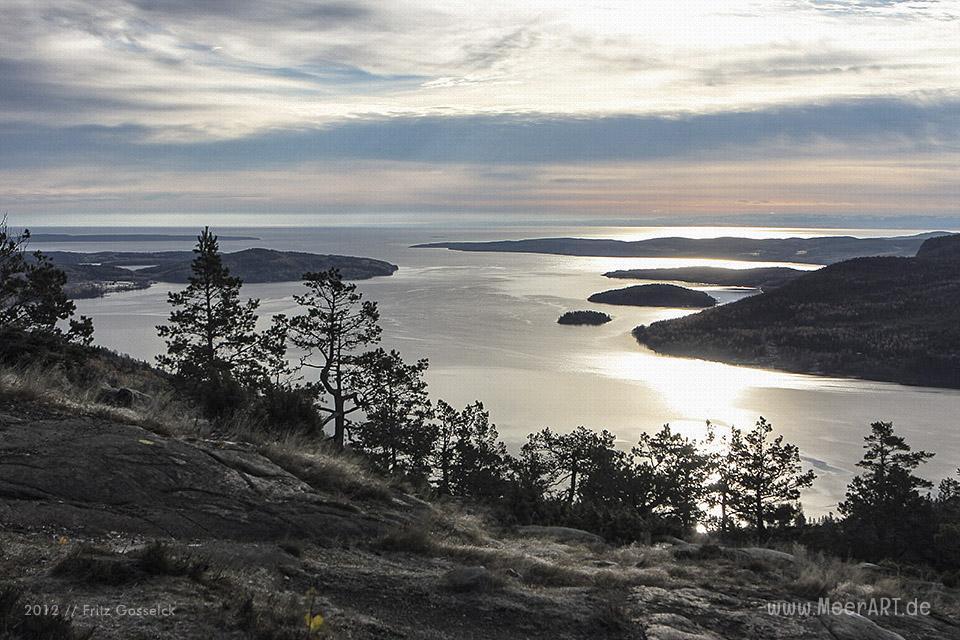 Blick vom Skuleberg auf den Norrfjord in Schweden // Foto: Fritz Gosselck