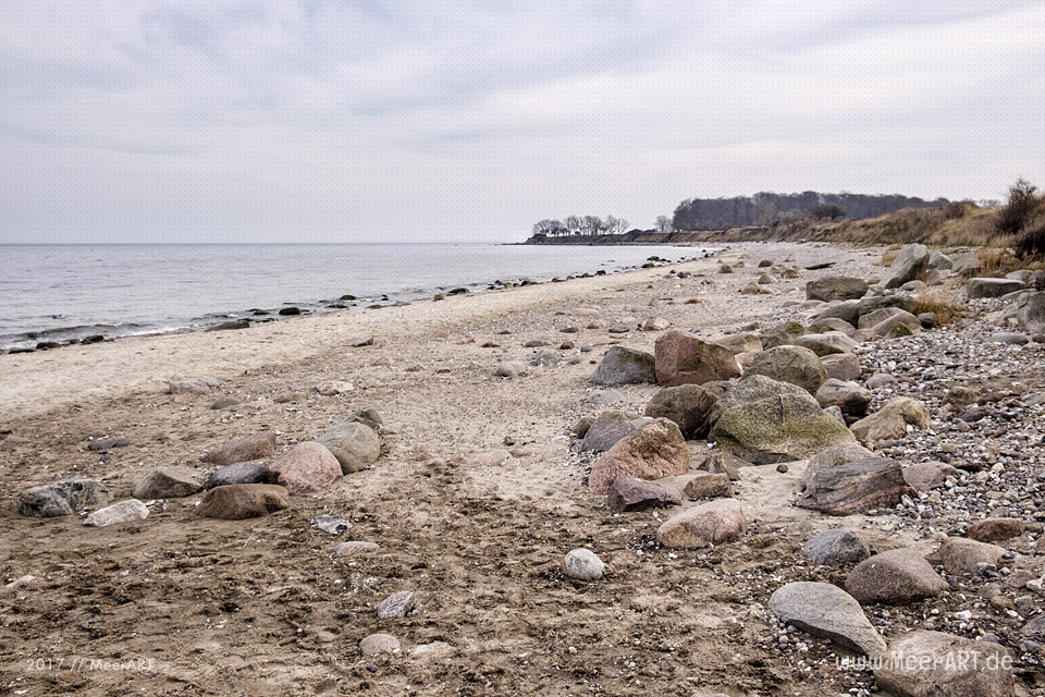 Der idyllische Strandabschnitt zwischen Staberhuck und Katharinenhof auf Fehmarn // Foto: MeerART
