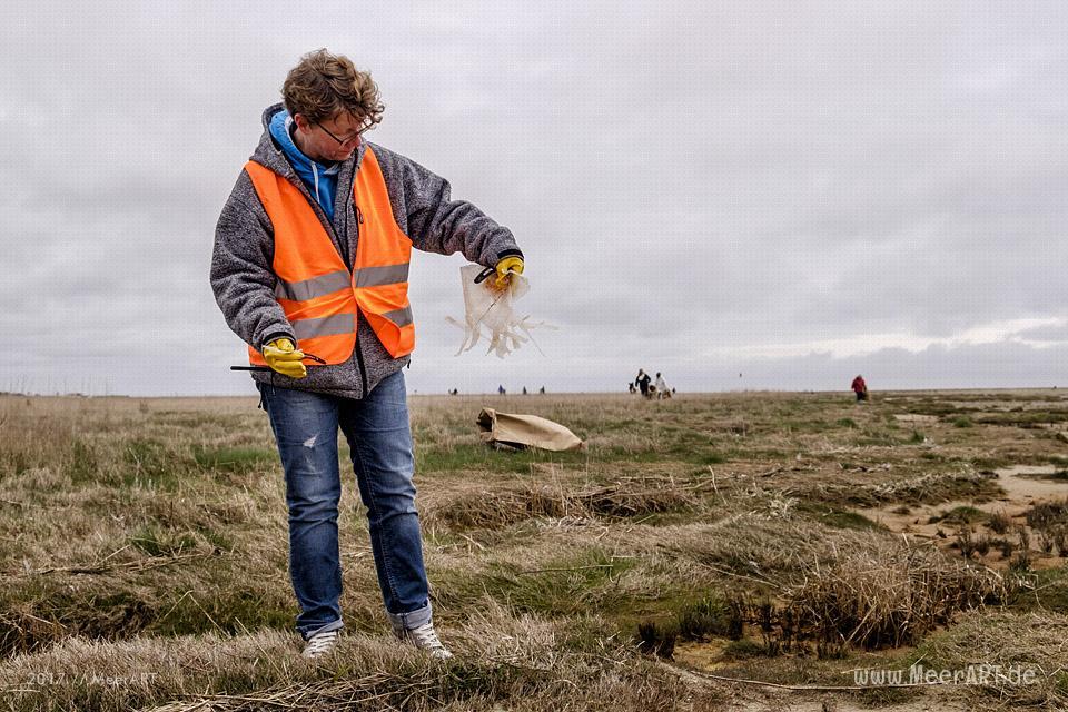 "Müllsammelaktion ""SPO klart auf!"" am 08.04.2017 am Nordseestrand von St. Peter-Ording // Foto: MeerART"