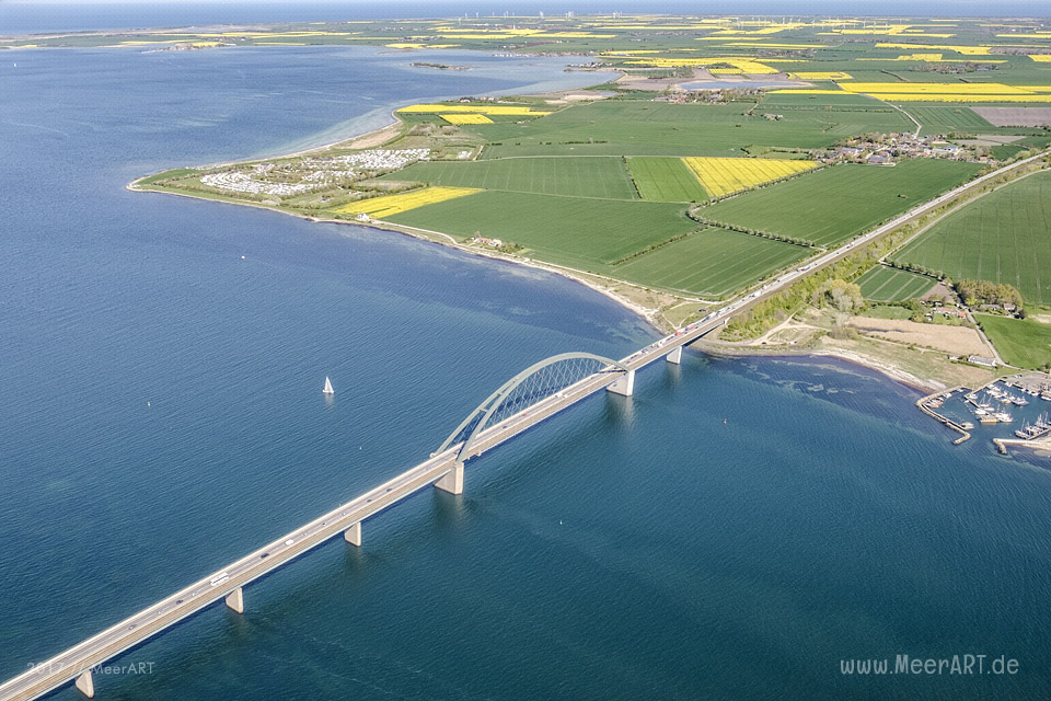 Rundflug mit Klaus Skerra von Fehmarn Air über die schöne Sonneninsel // Foto: MeerART
