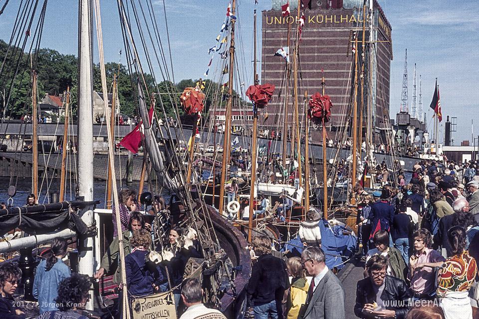 Die Eröffnung vom Museumshafen in Oevelgoenne am 21.05.1977 // Foto: Jürgen Kranz