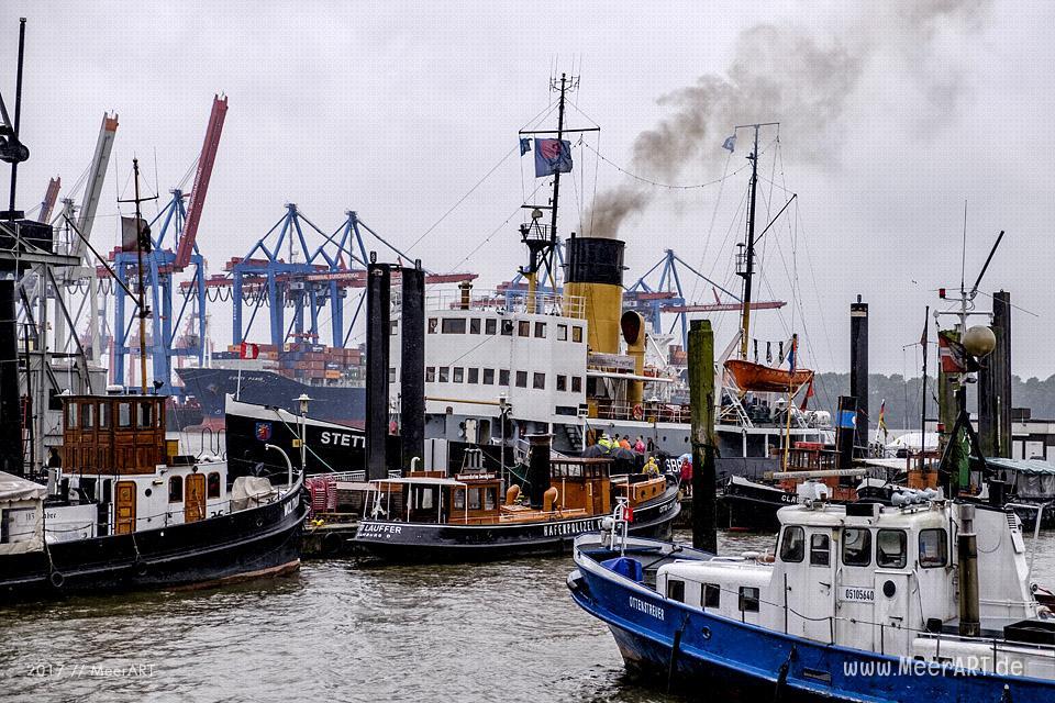 """Der Dampfeisbrecher """"STETTIN"""" am 08.09.2017 vor einer Rundfahrt am Liegeplatz im Museumshafen Oevelgönne // Foto: Ralph Kerpa"""
