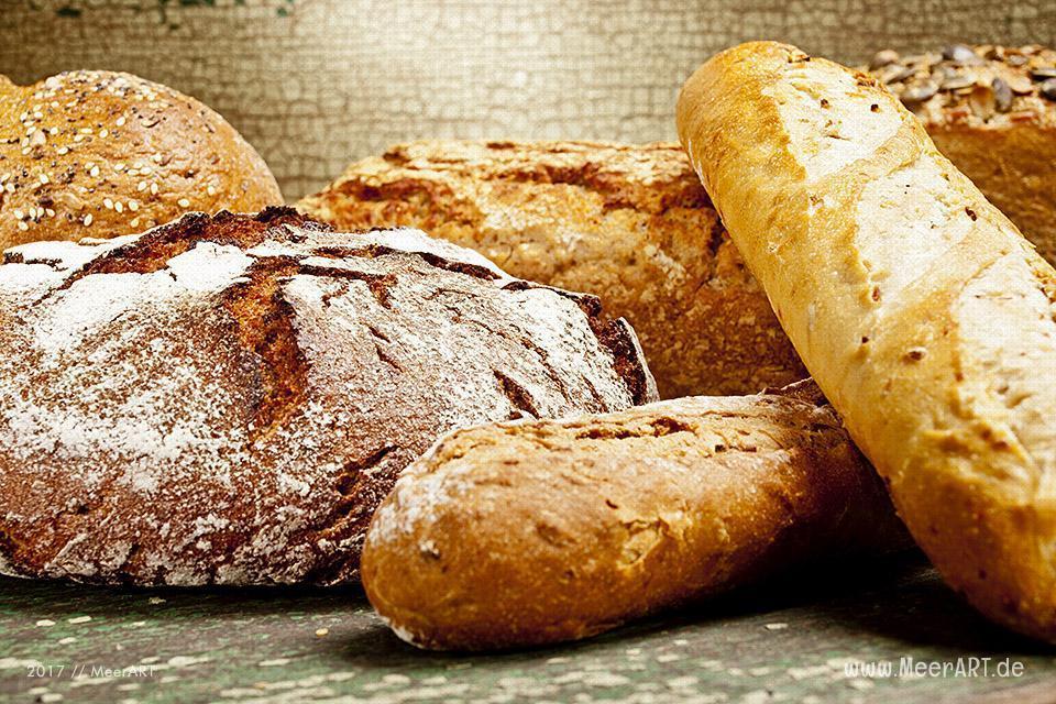 Unterschiedliche Brotsorten die für einen Brotauflauf verwendet werden können // Foto: Ralph Kerpa