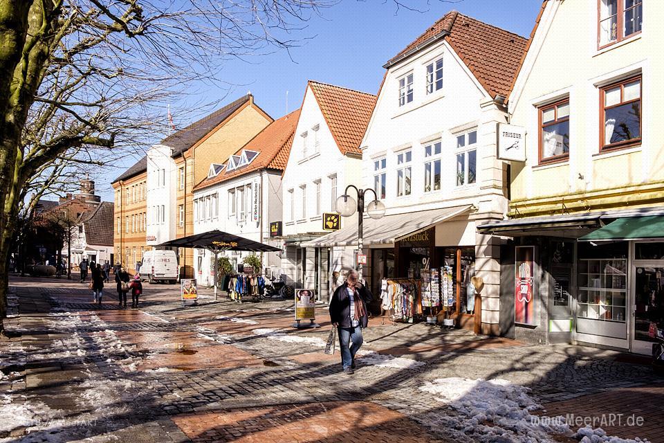 Ein sonniger Wintertag an der Ostsee in Eckernförde // Foto: MeerART / Ralph Kerpa