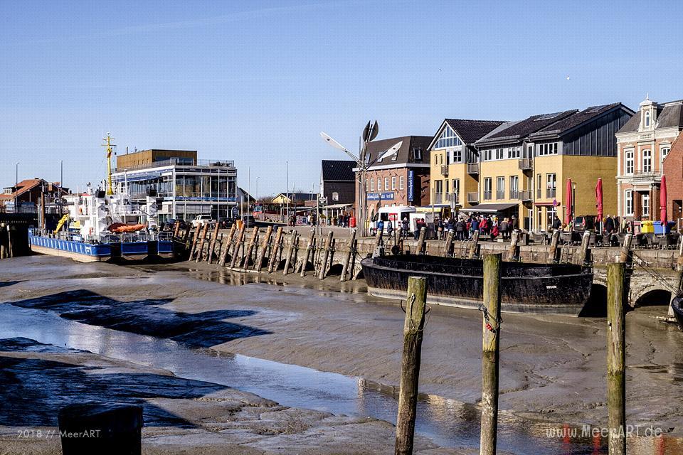 Die Hafenstadt Husum kurz vor dem alljährlichen Krokusblütenfest // Foto: MeerART / Ralph Kerpa
