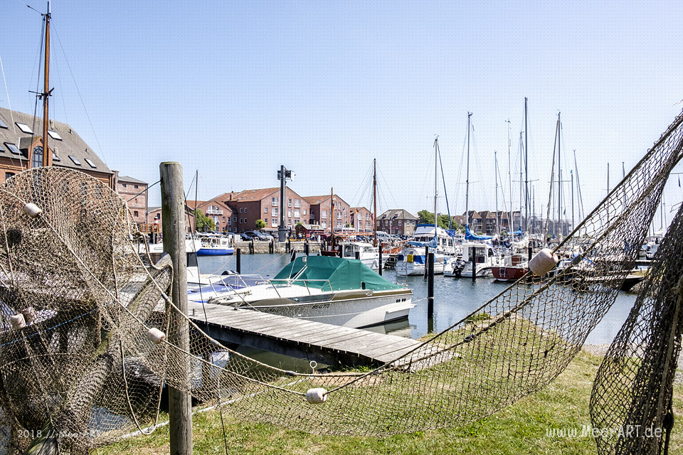 Der idyllische Hafen Orth auf Fehmarn // Foto: MeerART