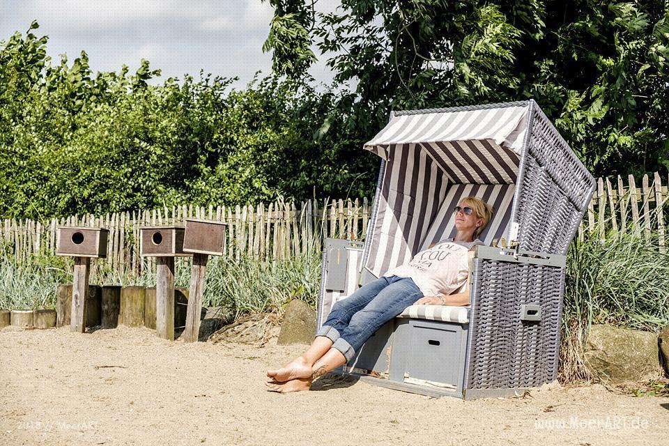 Spaß bis in die Zehenspitzen im BARFUSSpark Schwackendorf // Foto: MeerART