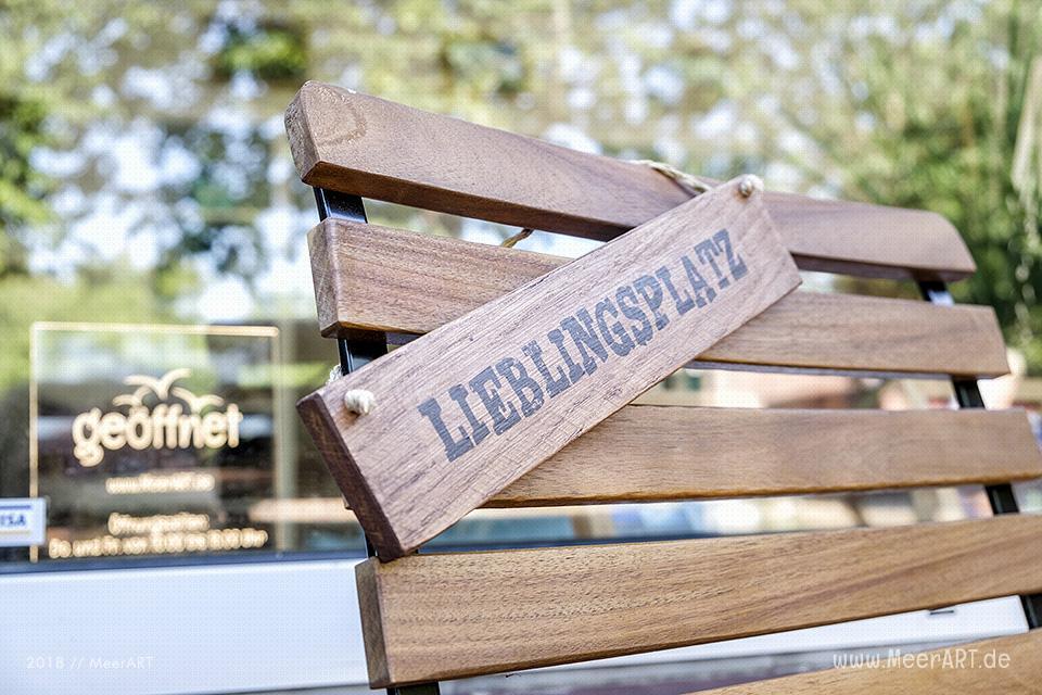 Der Lieblingsplatz vorm Atelier // Foto: MeerART / Ralph Kerpa