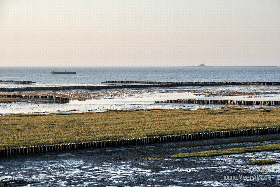 Ein Morgen am Hauke-Haien-Koog bei Ockholm in Nordfriesland // Foto: MeerART / Ralph Kerpa