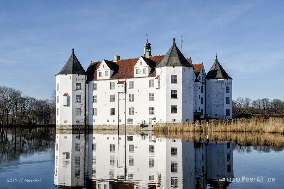 Das Schloss Glücksburg an der Flensburger Förde // Foto: MeerART