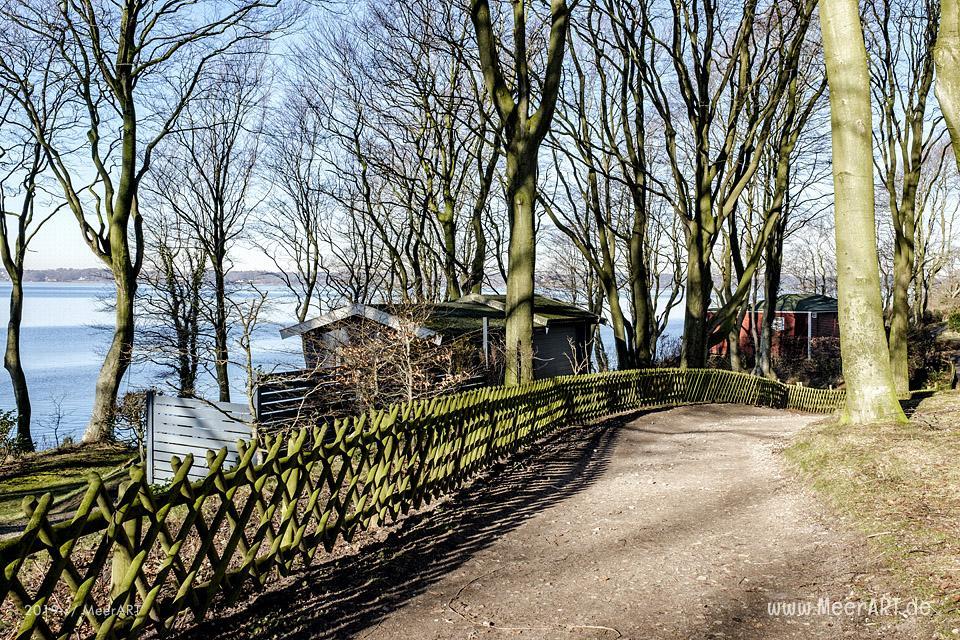 Unterwegs auf dem Fördestieg entlang der Flensburger Förde bei Glücksburg // Foto: MeerART / Ralph Kerpa