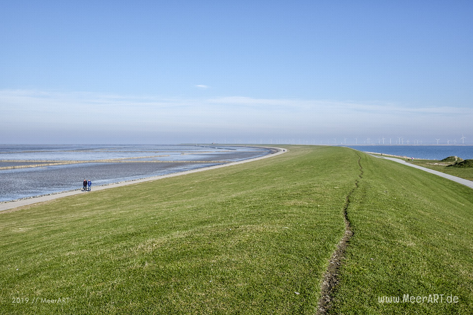 Zu Fuß von Lüttmoorsiel nach Holmer Siel // Foto: MeerART / Ralph Kerpa