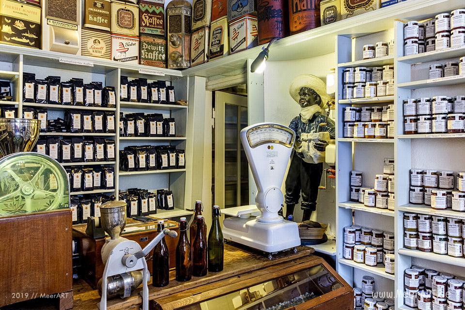 Das kleine und urige Kaffee-Kontor im schönen Friedrichstadt in Nordfriesland // Foto: MeerART