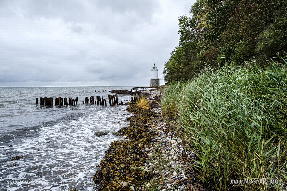 Der Leuchtturm Taksensand Fyr bei Helved // Foto: MeerART