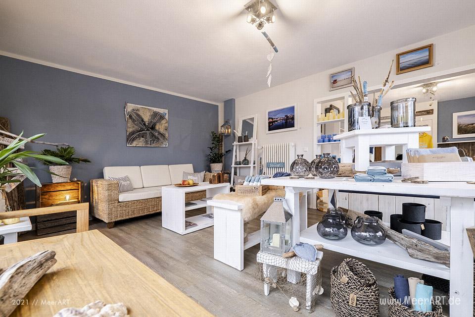 "Das Atelier ""MeerART för to Huus"" in Langenhorn (Nordfriesland) mit handgefertigten Wohnaccessoires und Rahmen mit maritimen Motiven // Foto: MeerART / Ralph Kerpa"