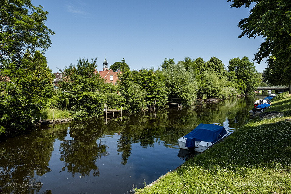 Abseits von touristischen Pfaden das kleine und idyllische Holländerstädtchen neu entdecken // Foto: MeerART