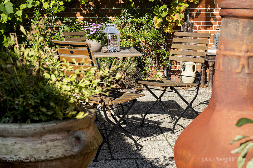 """Der idyllische """"MeerART-Garten"""" in Langenhorn Nordfriesland // Foto: MeerART"""